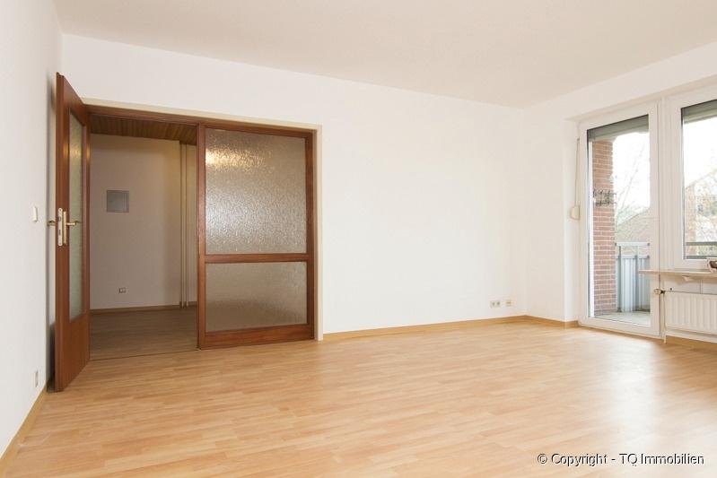 wohnzimmer zur diele tq immobilien. Black Bedroom Furniture Sets. Home Design Ideas