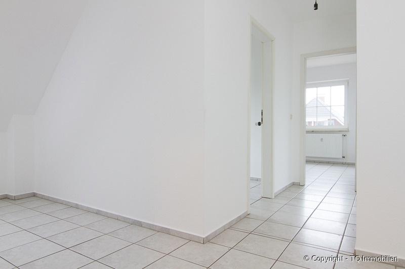 flur im dg tq immobilien. Black Bedroom Furniture Sets. Home Design Ideas